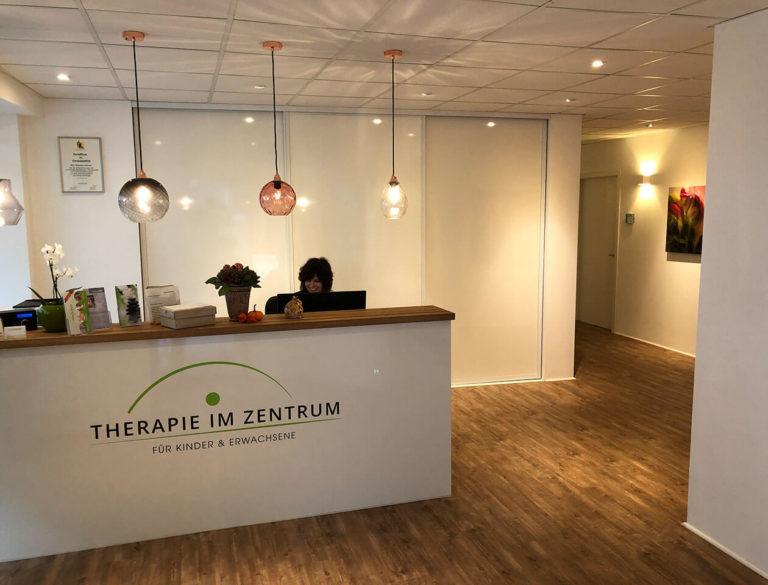 therapie-im-zentrum_Eingangsbereich_slider